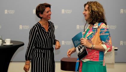 Petra van Holst van ZN en minister Schippers van VWS